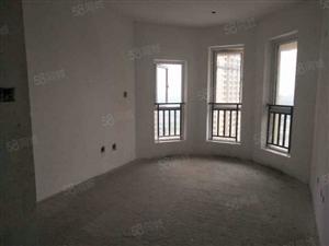 新城中心中迪广场三室两厅两卫毛坯房全屋采光透亮无死角