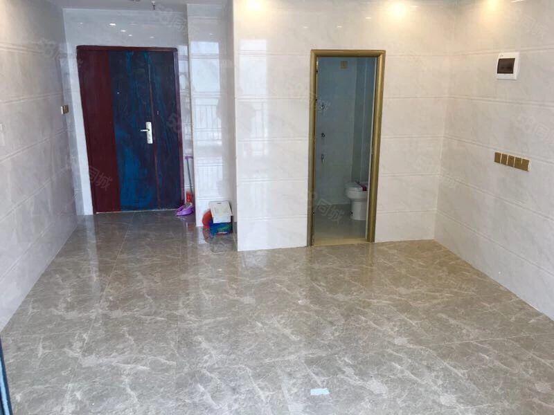 益华公寓,全新装修未住过,租1600元。