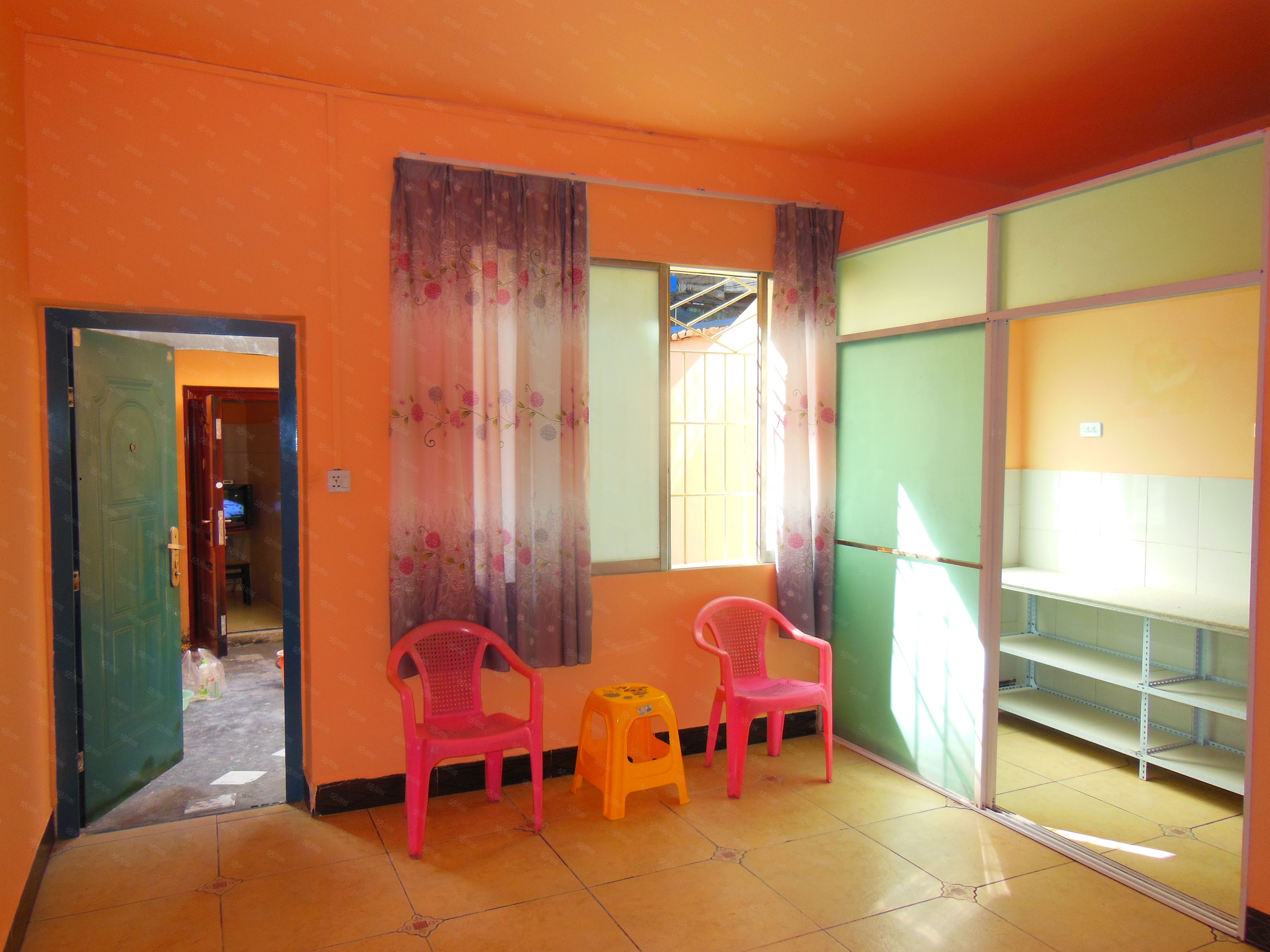 金凤凰房产公寓T610开发区乌江片片鱼附近2室,部分东西