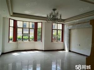 一楼带院别墅办公居住都可中等装修随时用房