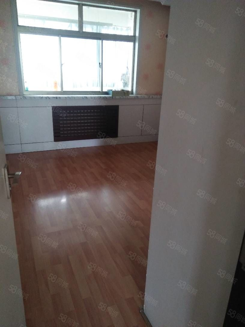 附小十三中双房15楼3室2厅145平,木地板2300元