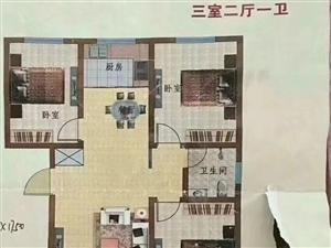 出售宏屹国际城小三室单价低楼层好