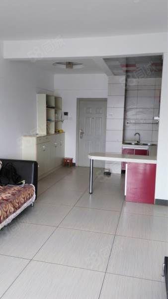 北京路与天马路交叉口,风尚国际3期、66.9平米,2室