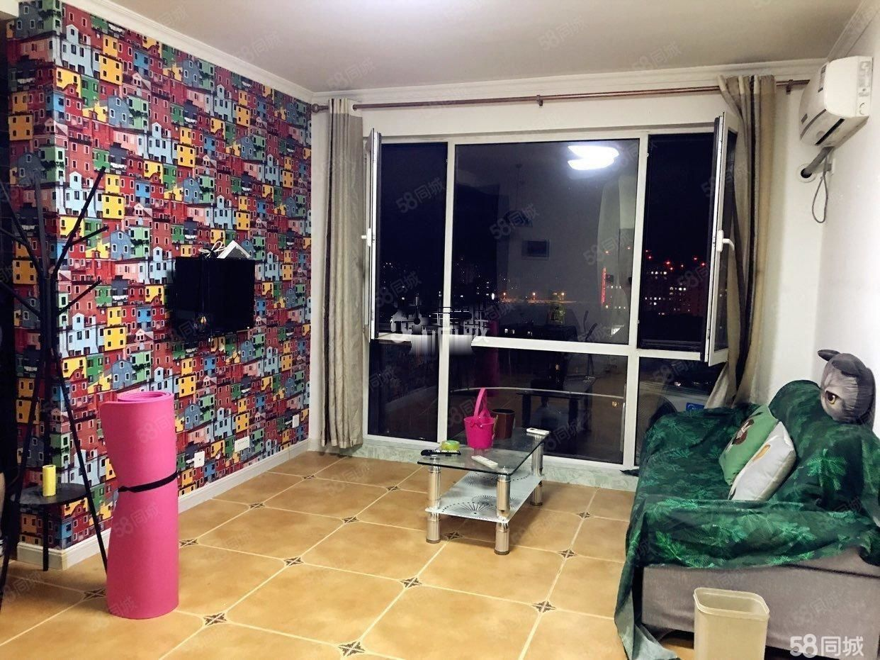 香漫花都,56平精装1室,家具家电齐全,年租2万4包取暖物业