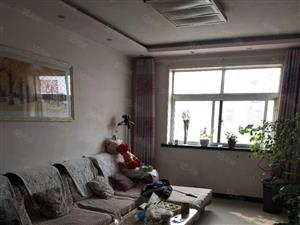 名门华都三室两厅精装带车库带露台已搭建