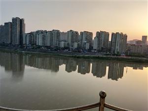 老城雍景湾附近河景房户型超好采光霸道双证齐可按揭