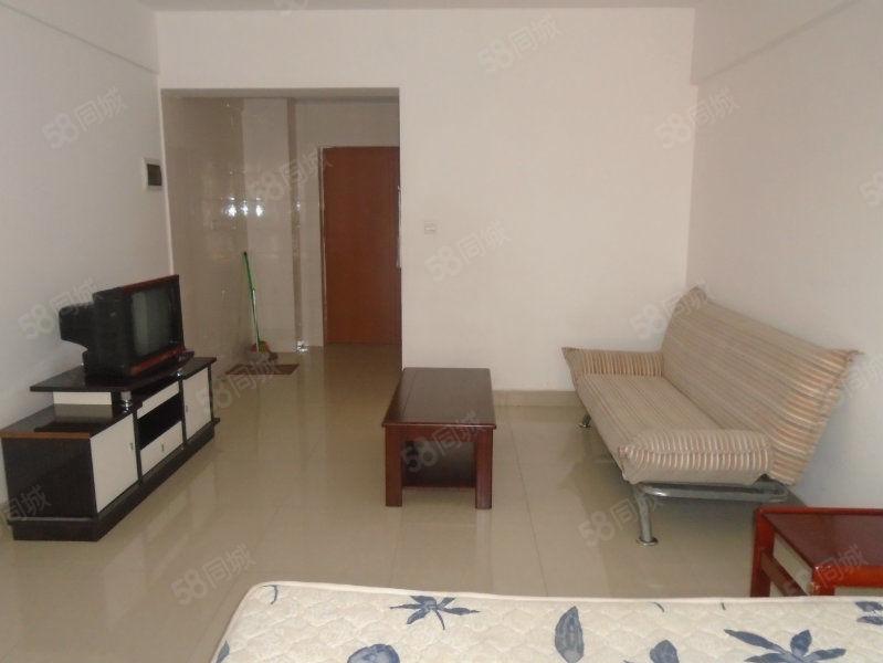 时代广场、单身公寓1室1厅1卫、精装修、带部分家具便宜澳门金沙平台