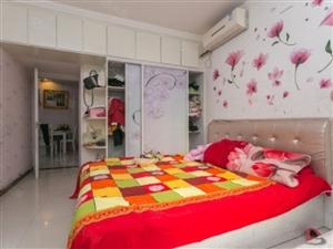 精装两房,楼层低,出行方便,业主诚心出售