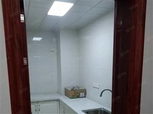 张衡路实验学校两室出租,带家具家电,拎包入住,随时看房。