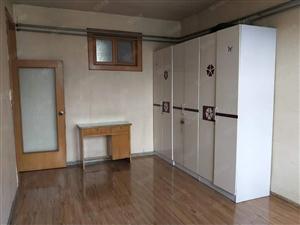 火车站单位宿舍有储房屋干净部分家具家电有钥匙随时看房