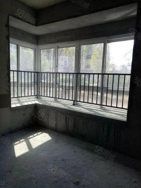 碧桂园,4室标准阳光房。手续齐全随时过户,房东诚心急卖。。。