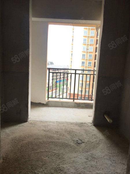 仁山公园4室2厅2卫房子户型好
