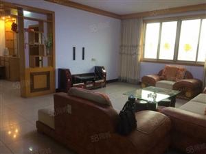 冿市林业局宿舍近130平米3室2厅房6楼