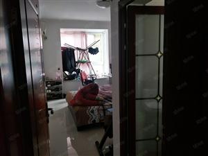 广电欣苑1楼标准大3房送储藏室