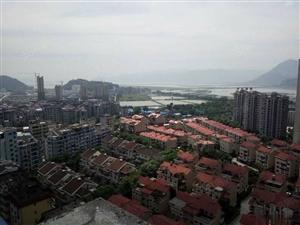 城南鸿福豪门双层复式横空出世。彰显格局大气。一手手续。