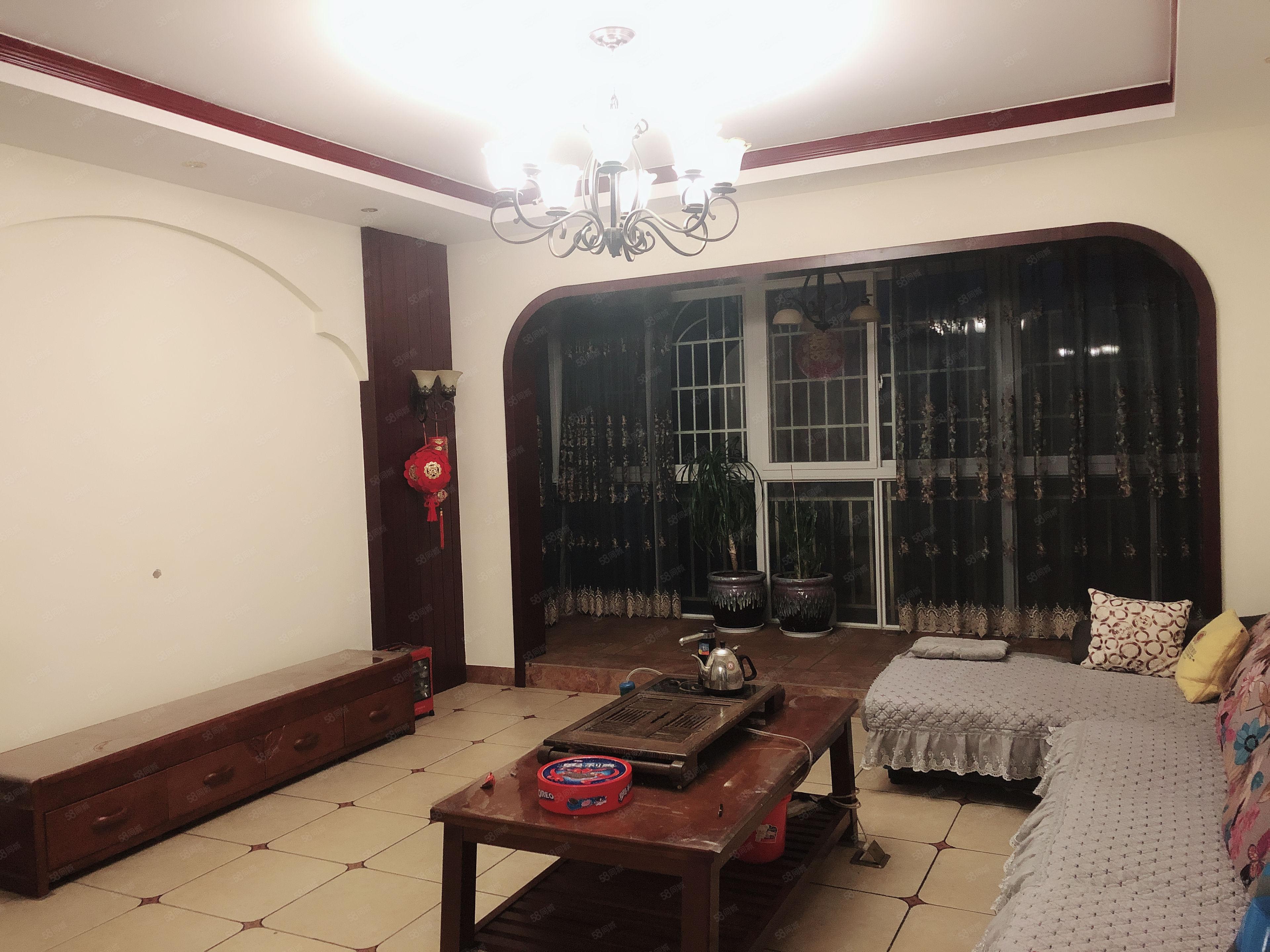 盛世庭园二期、5室2厅1厨2卫、精装修、带全套家电家具澳门金沙平台