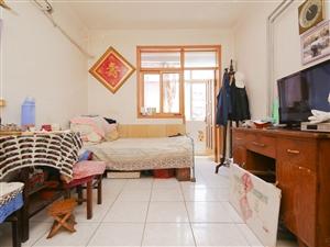 宜阳路小区,满五年唯一双南卧室双阳台不算面积中间楼层全明户型