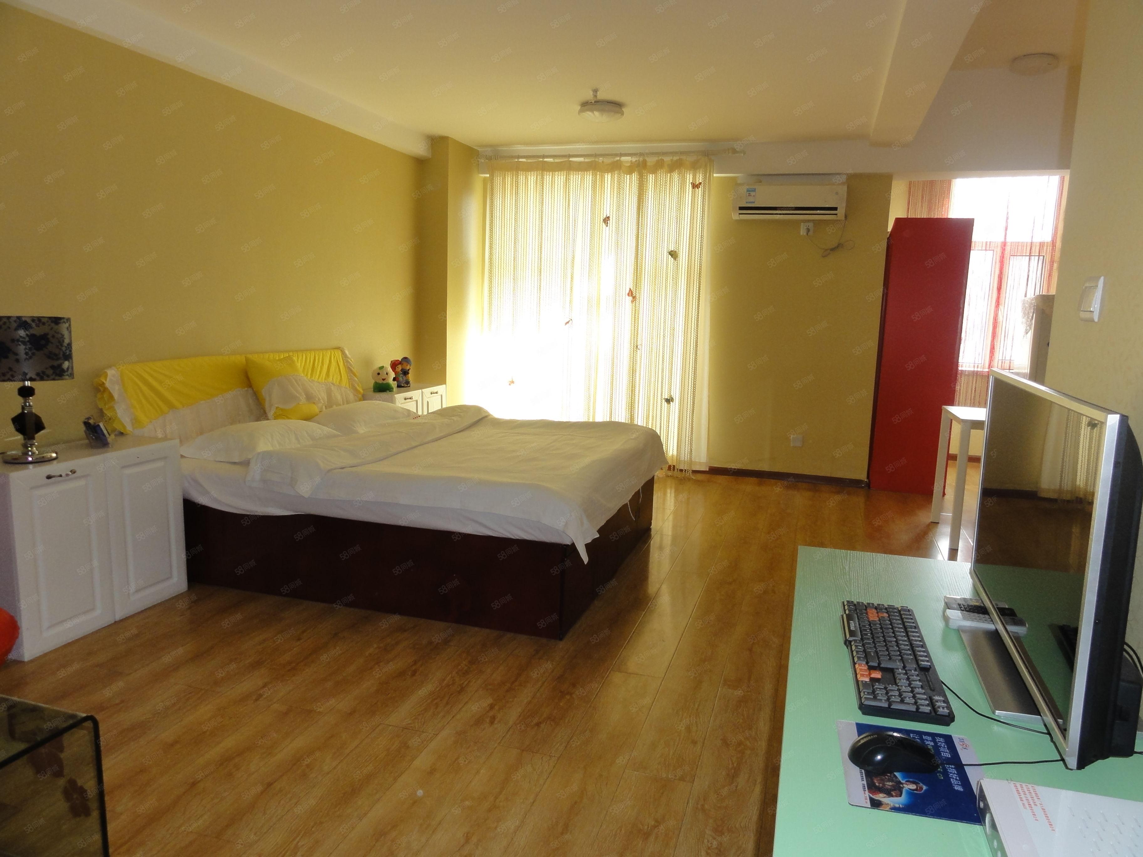 经典小户型1室1厅出租,位置优越,租金1800一个月
