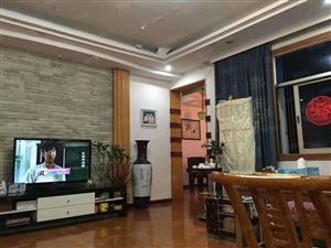 龙阳国际广场附近,三房两厅精装房,性价比超高