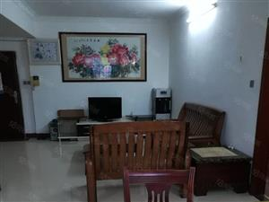 富丽苑租房2600元实价,3房2厅1卫。18层19顶。