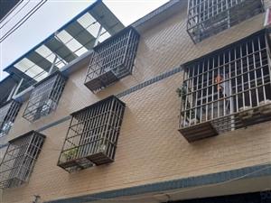 杉木塘独栋私房占地85平两楼一底,水电气齐全