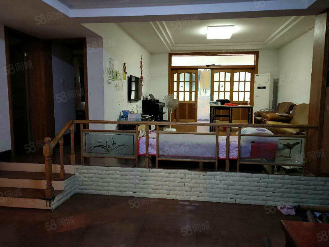滨江园小区2楼3室错层带大阳台带车位拎包入住按揭贷款