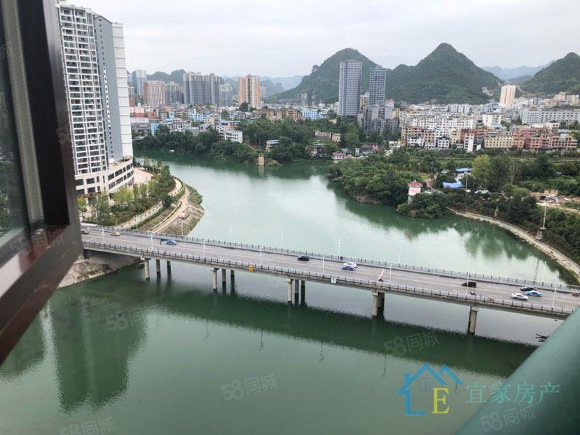 天都一线纯江景复古豪装装修花了110万送车位168万