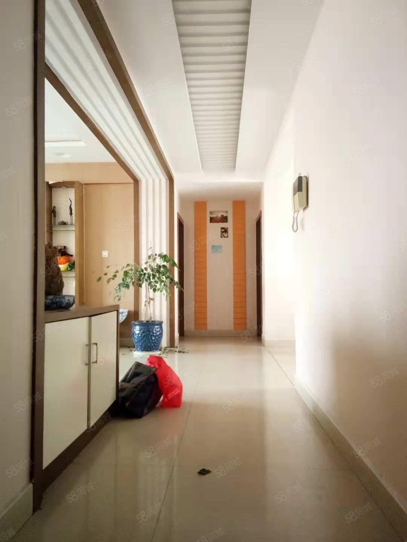 红塔文体中心旁(畜牧局)生活区!3室2厅2卫/145平米!