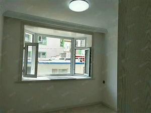 商贸中心西门二楼70平三室29万