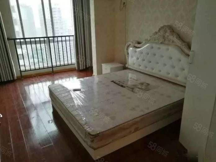 东窑坊1800元2室1厅1卫精装修超大阳台,小区有泳池