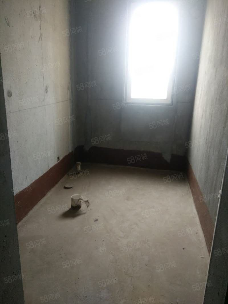 凯威房产+玉泉西路高铁站大三室毛坯可做库房看房方便