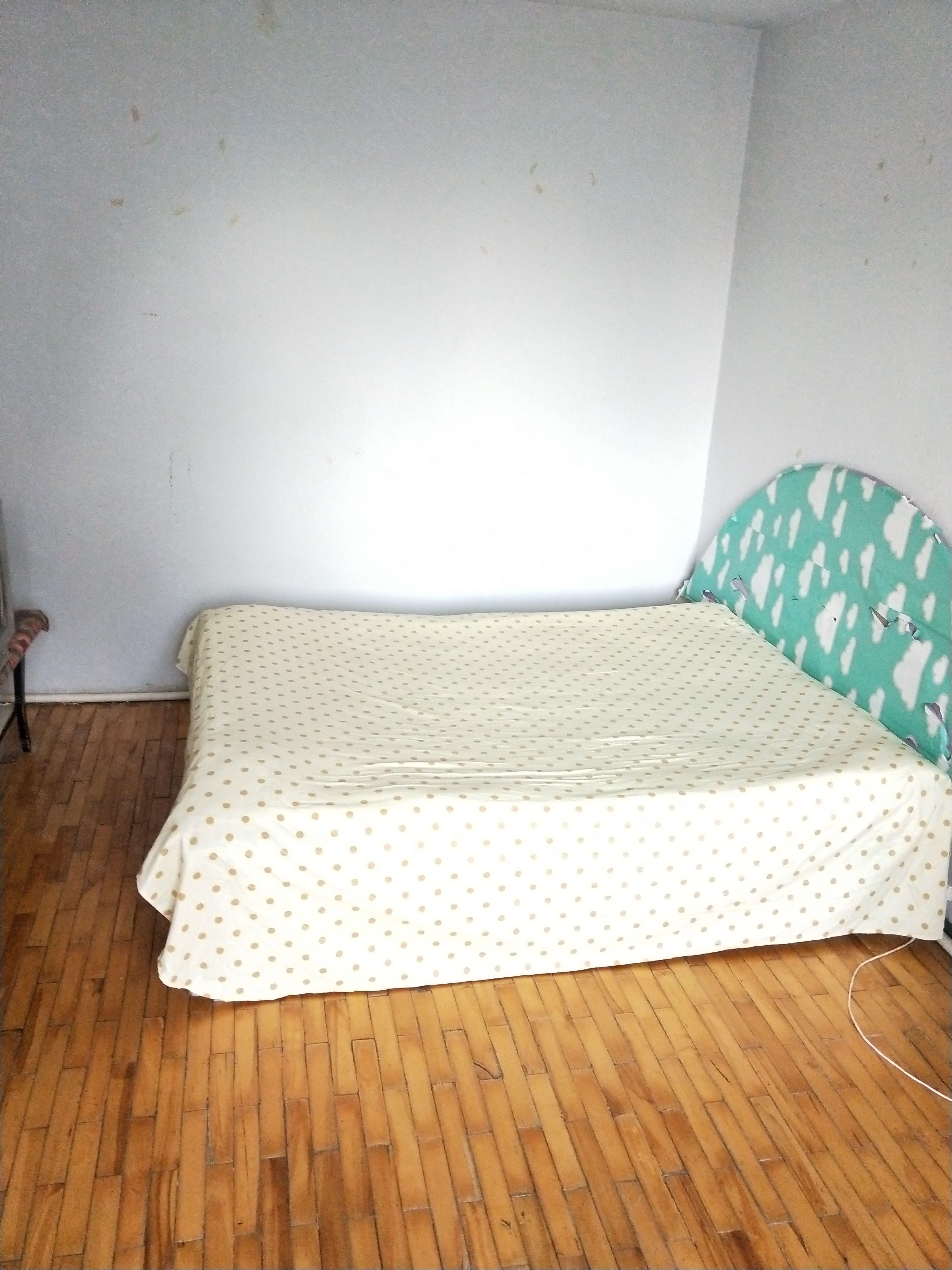 延安路铁翼源旁边锦铁一街干净一室出租