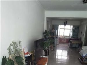 此房位于南关小学巷子两室两厅一卫手续齐全...