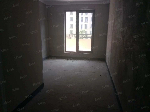 白鹭金岸刚出好房源,洋房2楼,主室面积101平