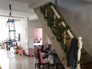 富锦家园5楼多层带阁楼晒台家具齐全拎包即住可月季付