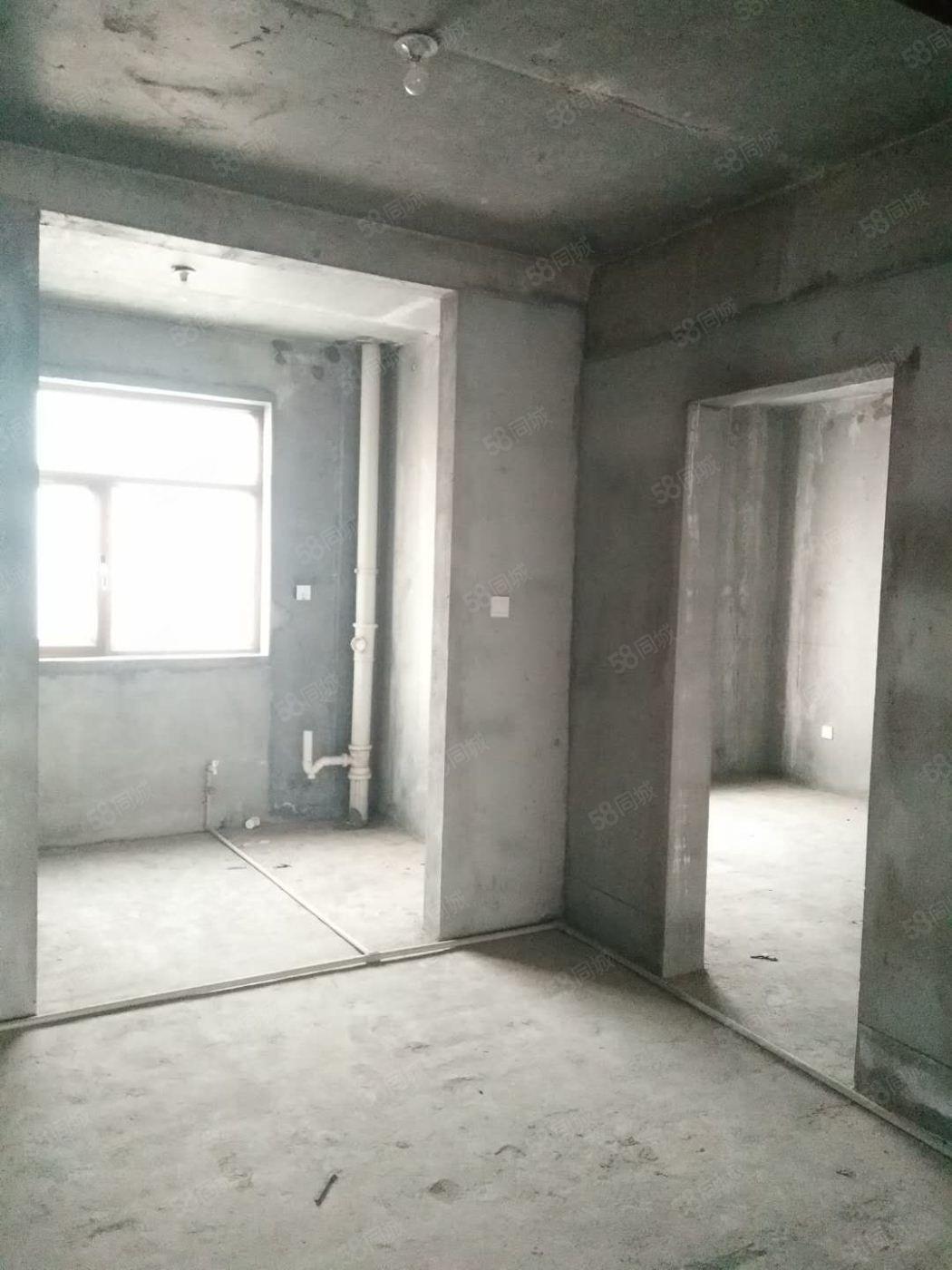 毛条路东口瑞沣苑电梯两室毛坯新房出售!