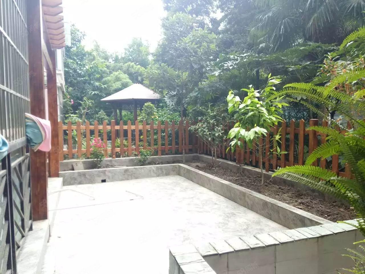 中银小罗河东新区精装两房带花园关门卖可随时看房户型方正可按揭
