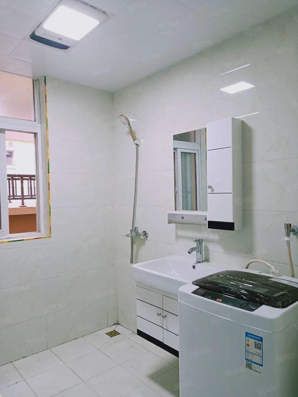 出租左岸小镇高层三室两厅一厨一卫电梯房