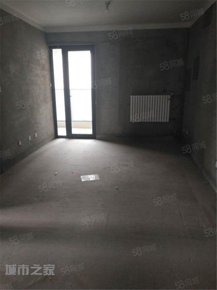 八大街金沙湖南北通透两房1.33万每平米,看房子方便!