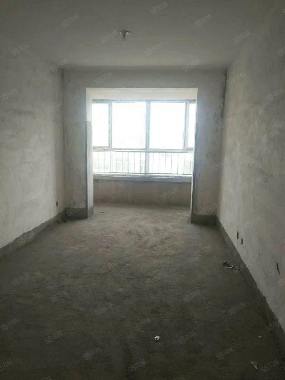 棚户区南郊C区二层包上名字包地下室15平米包领钥匙落地窗急售