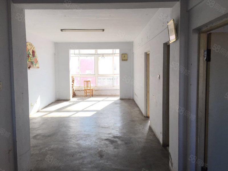 教育园区B区,清水房102平,两室标户能贷款。。