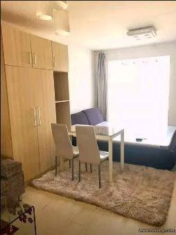 福尔沃财富街1700元1室1厅1卫精装修,干净整洁,随