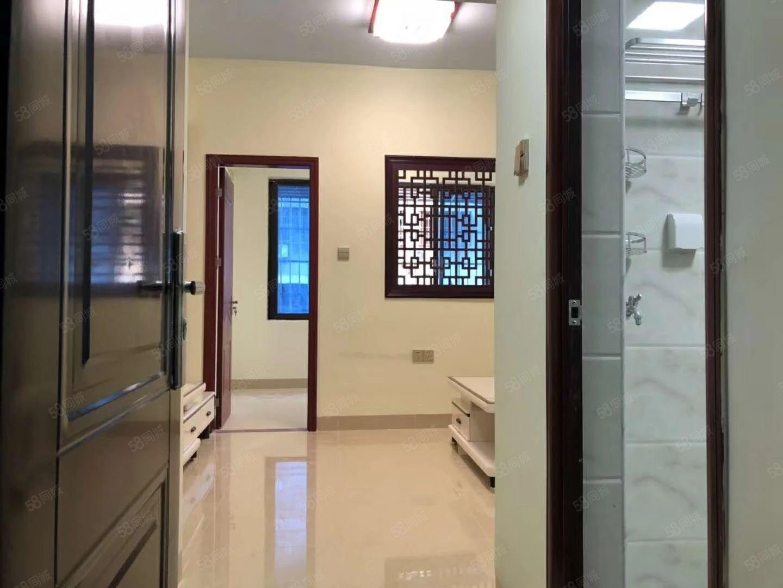 蓝天路飞龙公寓精装正规1房1厅拎包入住性价比高