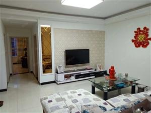 宏宇汇景城4楼精装2室2厅95平方,拎包入住.