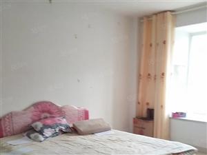 东城万达丽日1楼3室,带家具,1.65万