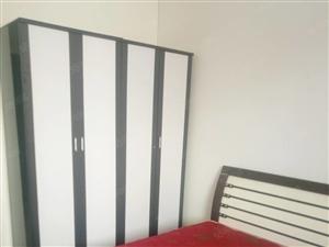 格林山庄朝南整租标间室内家具家电全齐随时可以看房