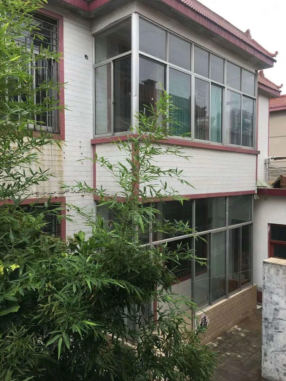 大胡民房上下两层6室4厅实用面积320平土地290平150万
