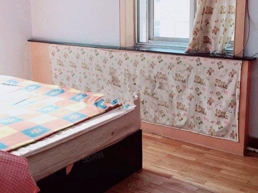 附属医院附近两室一厅78平简单装修有空调十分划算