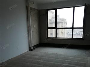 凤凰城二室二厅毛胚房。