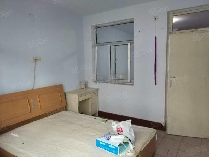 财东小区校场小区一室一厅对外出租拎包入住